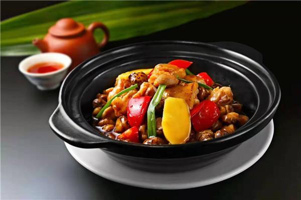 餐饮创业,加盟重庆鸡公煲开店怎么样?