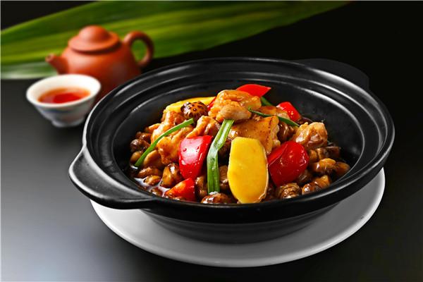 在小县城开家重庆鸡公煲怎么样 投资要多少钱